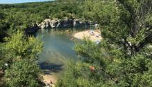 Die Ardèche beim Strand Isla Cool Douce