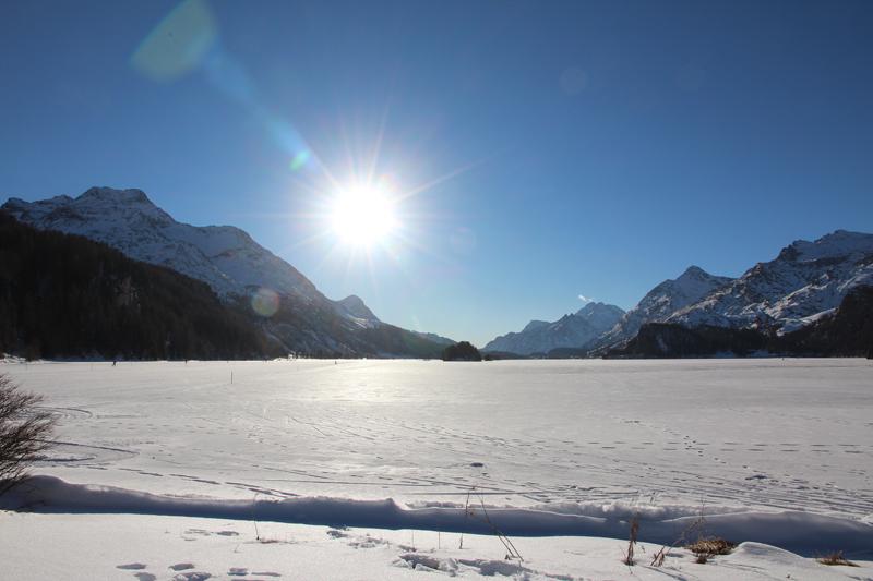 Einmal auf den zugefrorenen Silsersee wandern