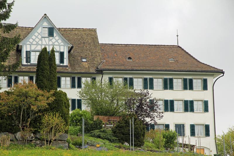 Das ehemalige lebhafte Arzthaus auf dem Hirzel