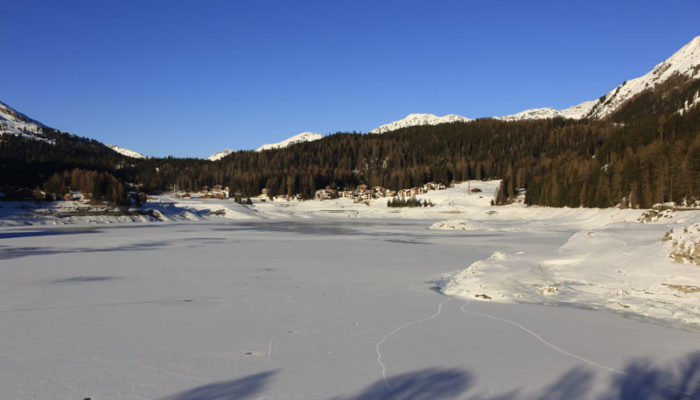 Der Davosersee im Winter